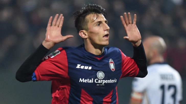 Avvio shock della Fiorentina. Budimir e Trotta portano sul 2-0 il Crotone dopo 17′ minuti