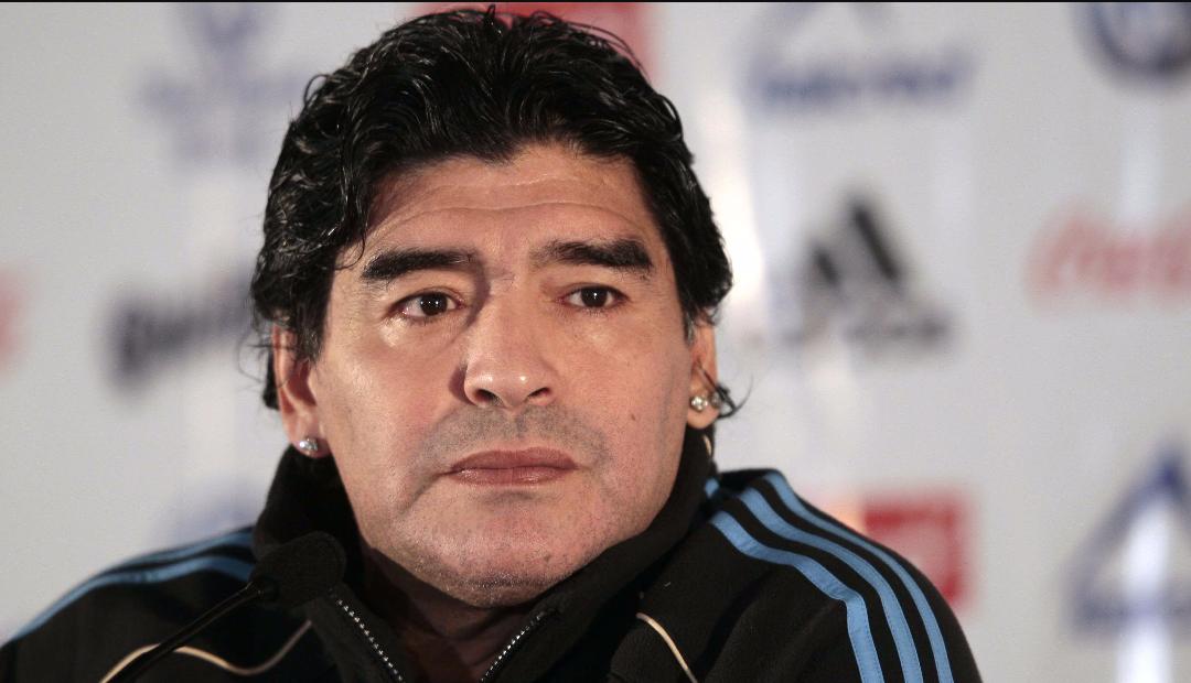 """Maradona tuona: """"Uno scandalo inaccettabile il gol annullato alla Fiorentina. Conte invece…"""""""