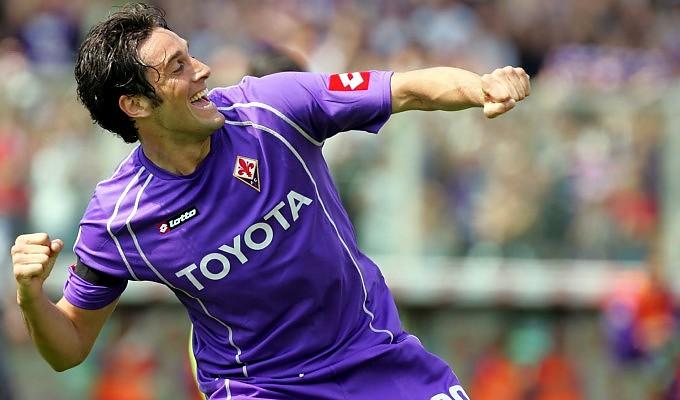 La storia di Luca Toni alla Fiorentina. Firenze tra amore, scarpa d'oro, ripensamenti e un grande ritorno…