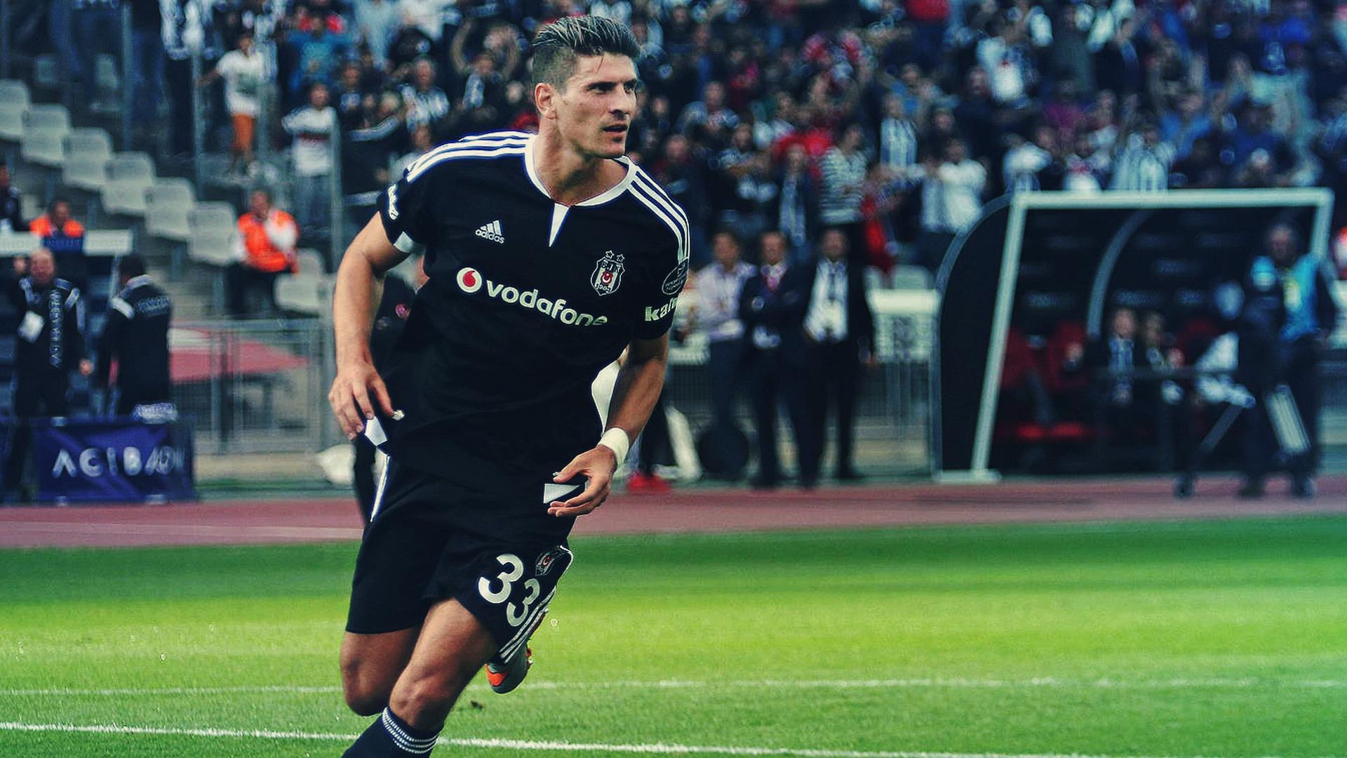 """Gomez: """"Al Besiktas l'obiettivo è vincere. A Firenze puoi solo sognare di essere campione. Mi mancava questo""""."""