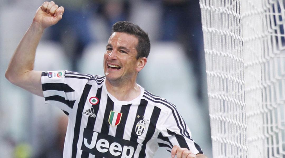 Fiorentina su Padoin, il giocatore sta parlando con il Cagliari ma all'improvviso…