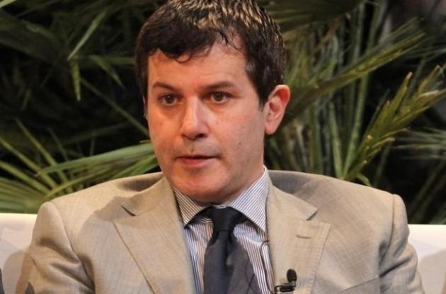 """Pedullà: """"Il piano della Fiorentina per completare la difesa. Van Beek…"""""""