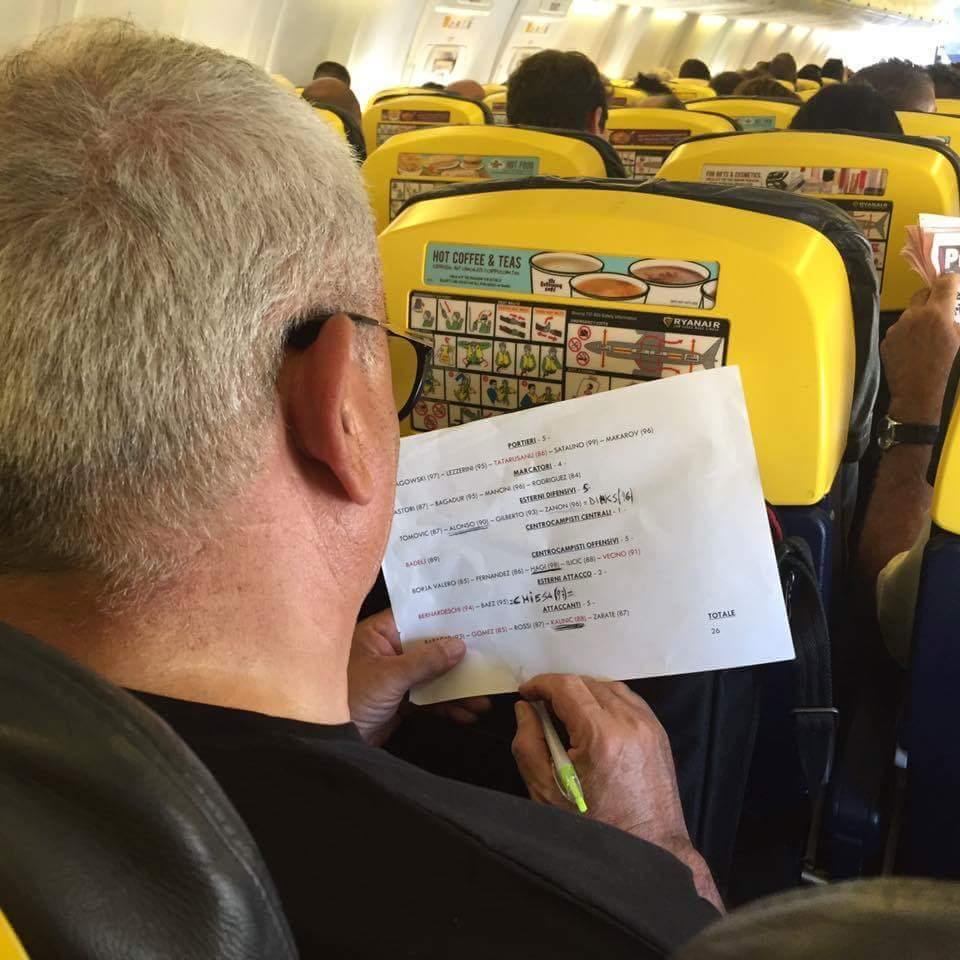 Corvino e la verità sulla foto rubata in aereo che circola in rete