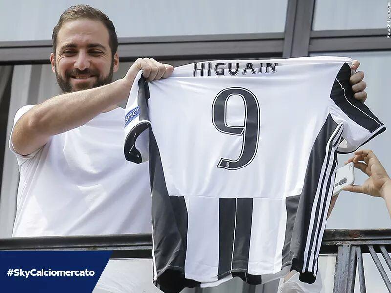 """Higuain, che coraggio: """"La Juventus la mia famiglia, Dybala e la Champions.."""""""