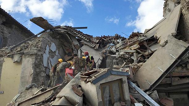 Disastro terremoto di magnitudo 6.0 nel centro Italia: l'ospedale richiede sangue, ecco i numeri utili