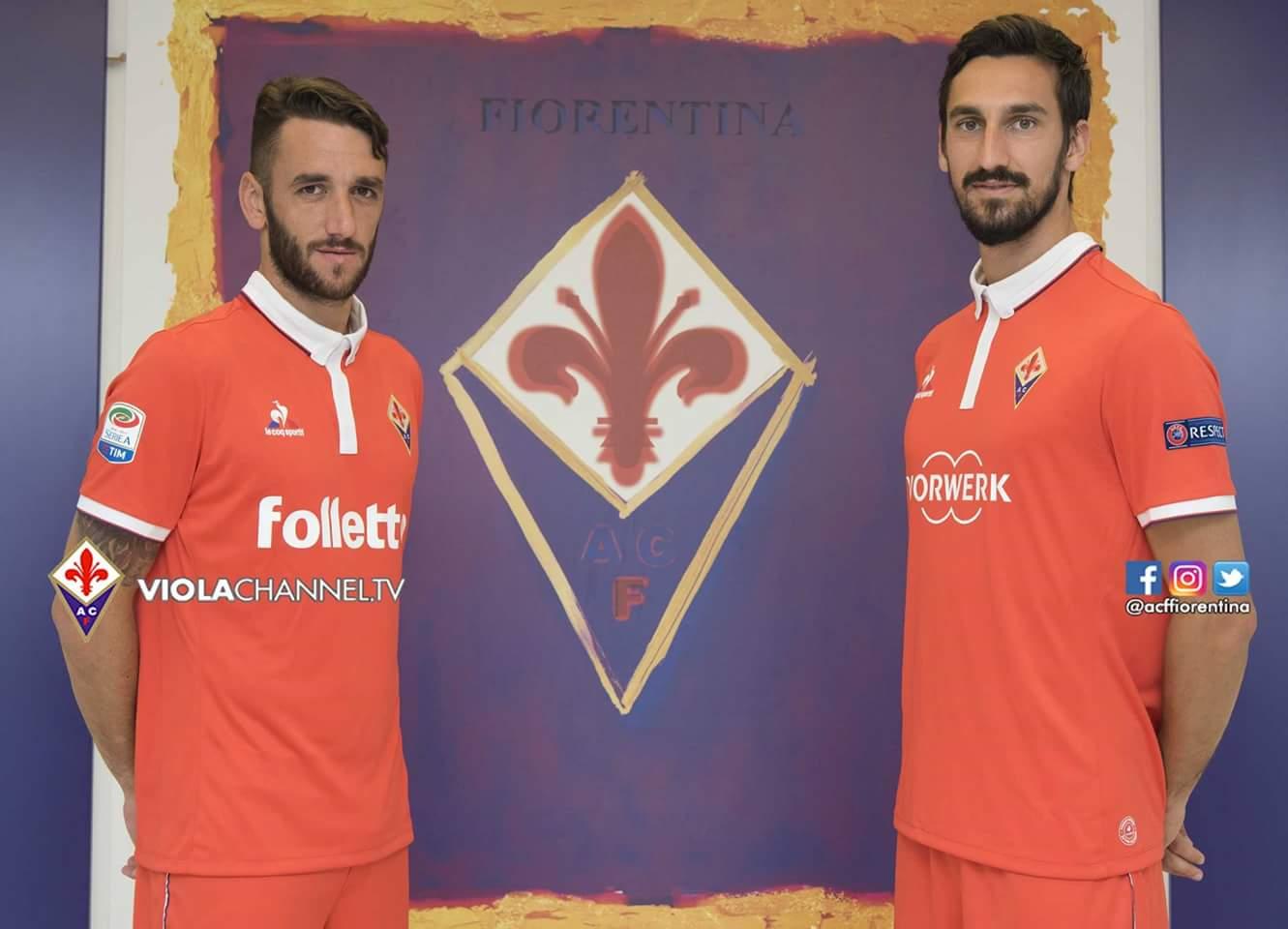 Finalmente visibile la terza maglia della Fiorentina, da domani parte la vendita libera