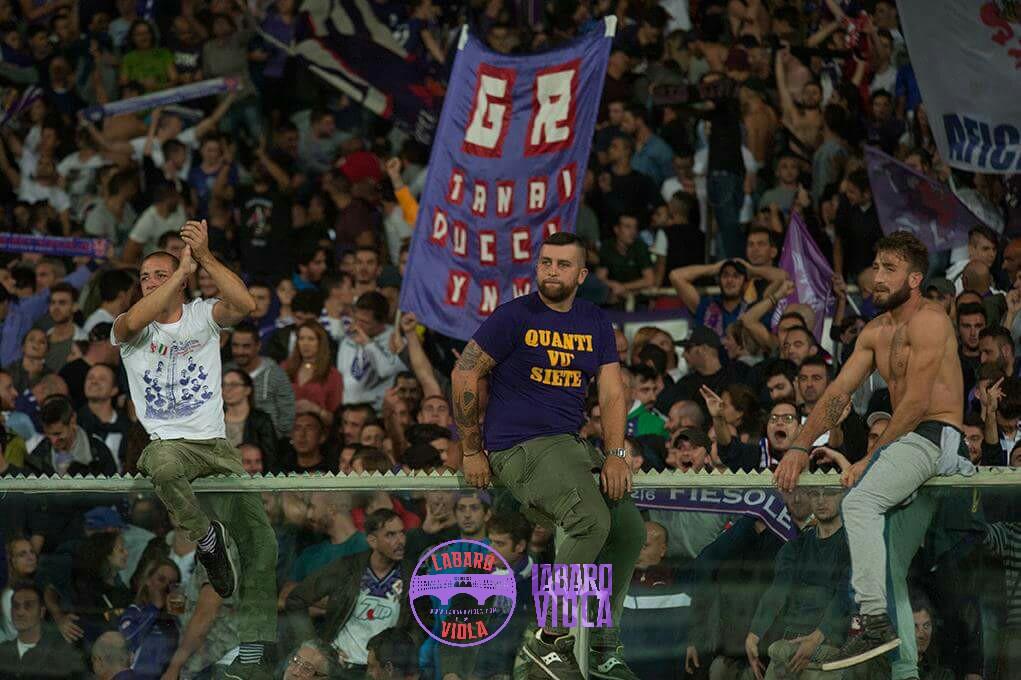 """Curva Fiesole ai Della Valle: """"Avete dato in gestione la Fiorentina da anni. C'è solo una cosa che potete fare adesso…"""""""