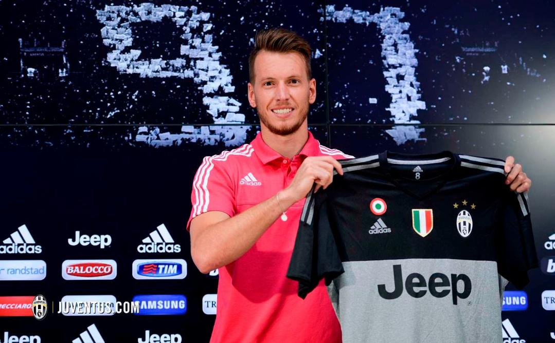 """Adesso Neto vuole andare via, l'agente: """"La Juve non ha rispettato i patti, vuole giocare"""""""