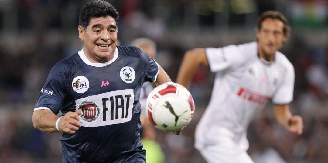 """Maradona litiga con Veron: """"Sei un figlio di…."""" Ma siamo alla partita del cuore…"""