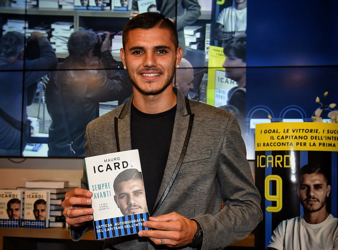 """Caos Icardi Inter, il calciatore: """"Tolgo la pagina dalla biografia, ho sbagliato"""" ma sarà comunque capitano."""