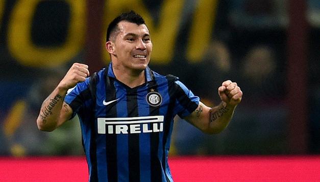 Verso l'Inter: Medel out almeno 20 giorni, salta la Fiorentina