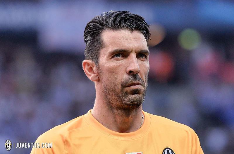 """Retroscena Buffon nello spogliatoio: """"In Italia le squadre si scansano, in Europa no"""""""