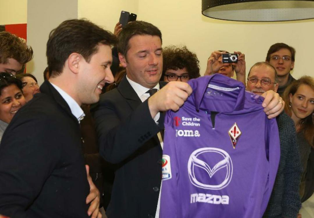 """Renzi stanzia 2 miliardi per Firenze e dice: """"Qui ci vorrebbe lo scudetto, ma questo…"""""""