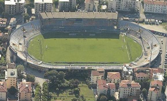 Notte fonda a Pisa: la società non paga le bollette e l'Arena Garibaldi resta al buio
