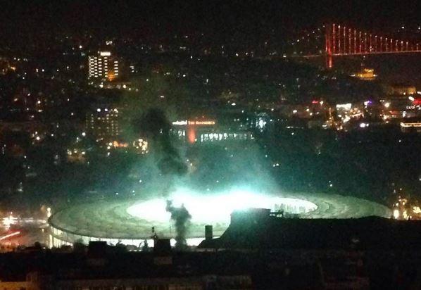 Terrore in Turchia: autobomba e spari vicino allo stadio del Besiktas. 20 feriti