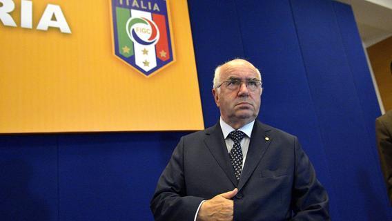 """Italia a rischio eliminazione da Russia 2018, Tavecchio sceglie il no comment: """"La risposta la vedrete sul campo"""""""