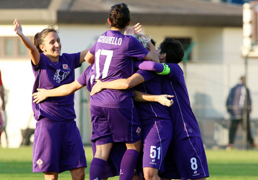 La Fiorentina Women's parte forte, poi la Juventus recupera campo e occasioni. E' 0-0 al primo tempo