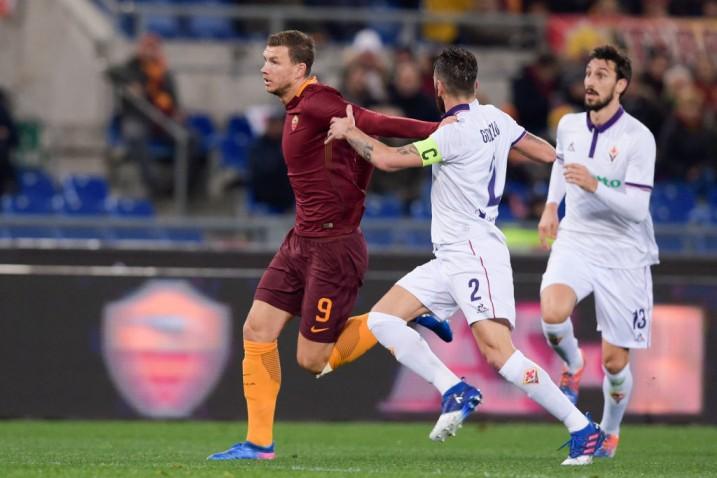 Notte fonda all'Olimpico: i viola si sfaldano nella ripresa e la Roma dilaga (4-0)