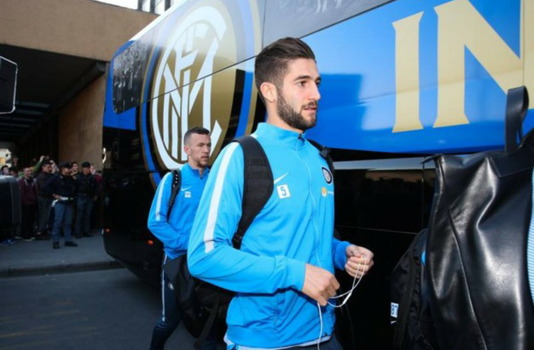"""Inter accolta a Firenze da cori """"Zapata, Zapata"""". Erano tutti tifosi milanisti"""