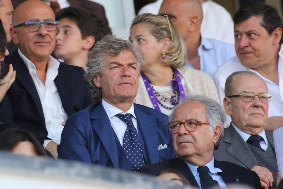Antognoni e Totti fianco a fianco in tribuna al Franchi, quando la qualità sugli spalti supera quella in campo…