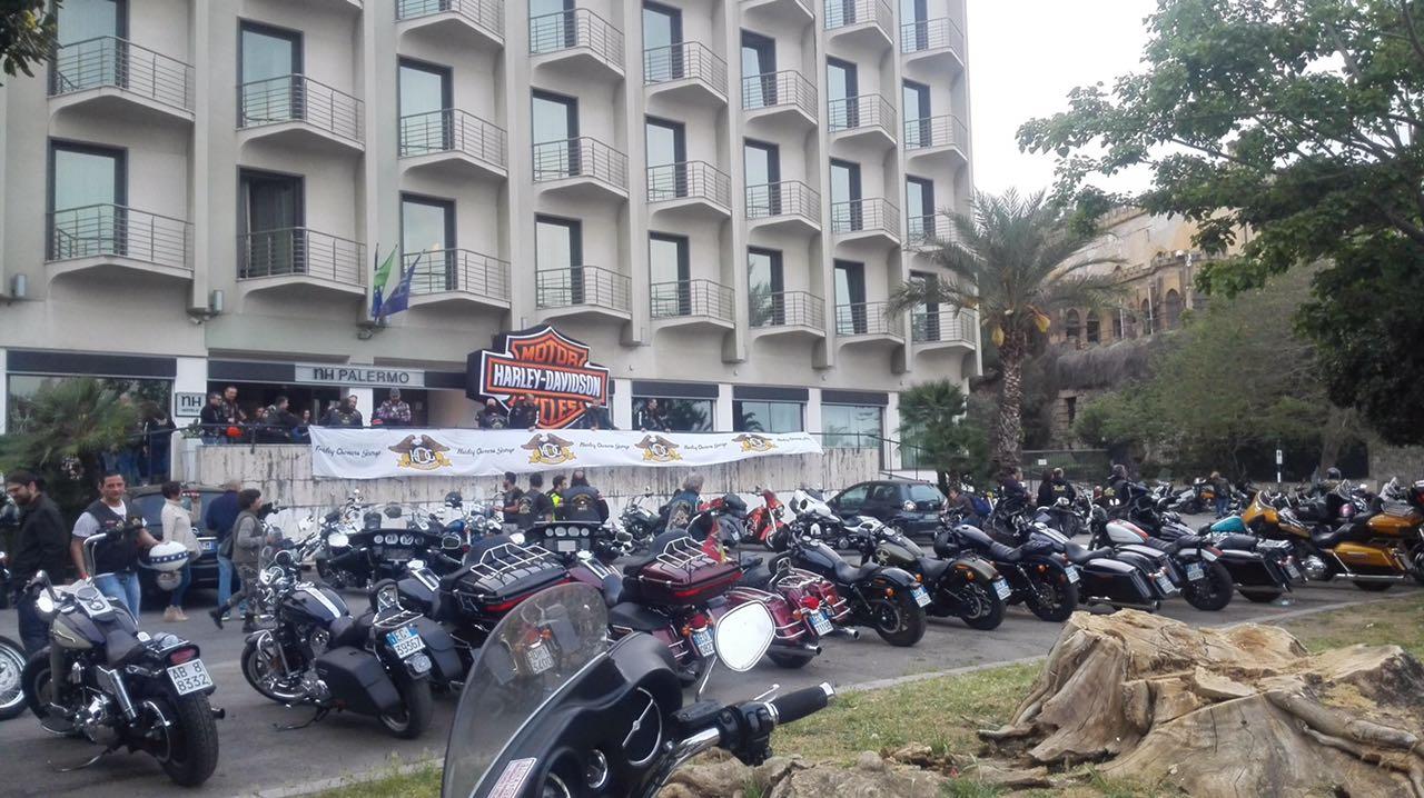 Notte senza dormire per la Fiorentina a Palermo, colpa delle Harley Davidson!