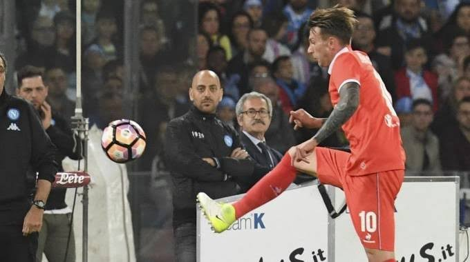 Troppo Napoli e Fiorentina imbarazzante. Il primo tempo dice 2-0 per gli azzurri…