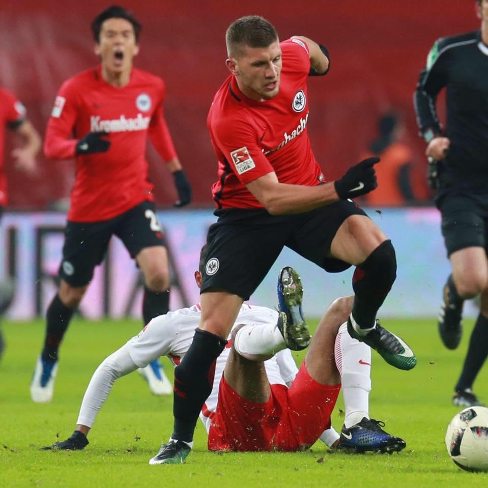 Sky: l'Eintracht Francoforte non riscatta Rebic, ma dalla Germania arrivano comunque 3,2 milioni