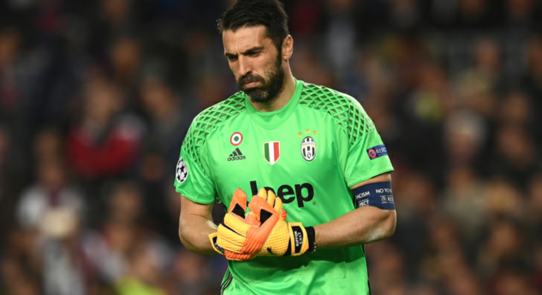 """Buffon negli spogliatoi: """"Sarà come giocare contro la Fiorentina, non vi preoccupate"""""""