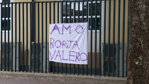 """Ancora messaggi d'amore per Borja, nuovo striscione al Franchi: """"Amo Borja Valero"""""""