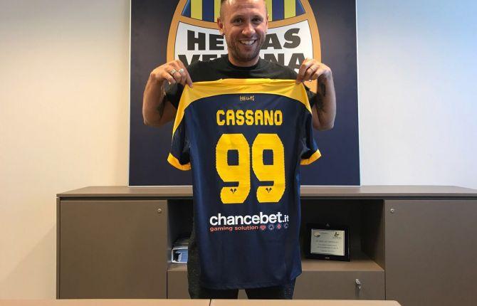 Cassano spiazza tutti: una settimana dopo la firma con il Verona ci ripensa ed annuncia il ritiro