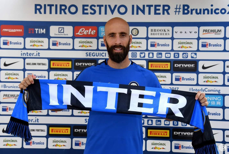 L'Inter annuncia e celebra Borja Valero, contratto di tre anni e maglia numero 20 per lo spagnolo