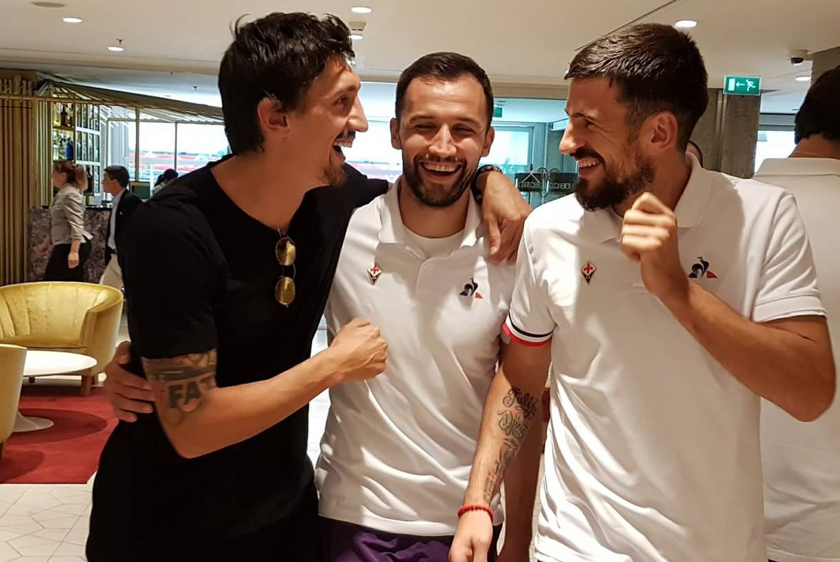 Savic e Simeone nel ritiro della Fiorentina a Madrid per salutare i viola