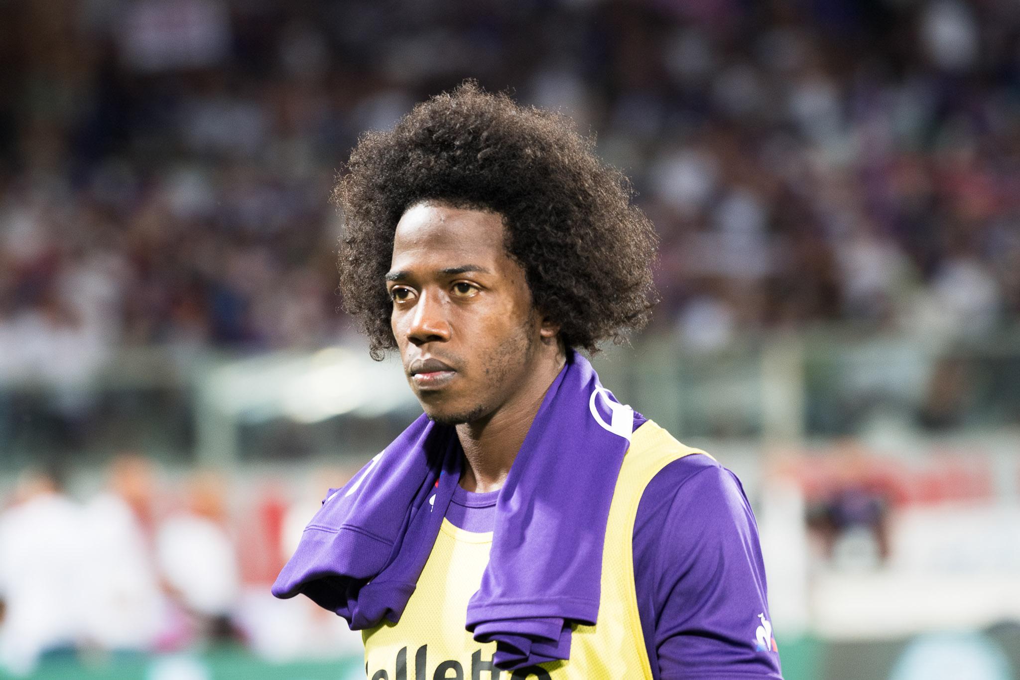 Da Ferrara, la Spal vuole Carlos Sanchez. Il giocatore è ai margini nella Fiorentina. Operazione possibile?