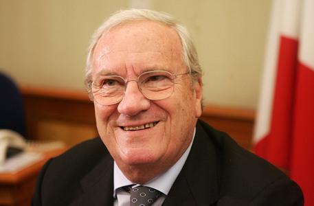 È morto Guido Rossi, fu commissario della FIGC dopo lo scandalo Calciopoli, aveva 86 anni.