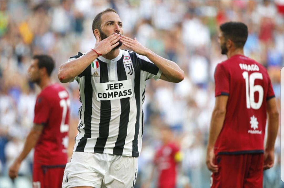 La Juventus vince all'esordio contro il Cagliari 3-0. Per Bernardeschi nemmeno un minuto in campo