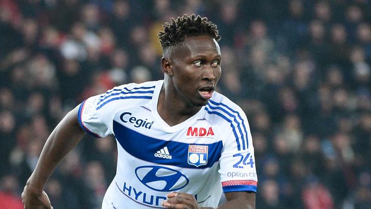 Dalla Francia: il Lione mette alla porta Yanga Mbiwa: la Fiorentina ci pensa, insieme ad altri tre club