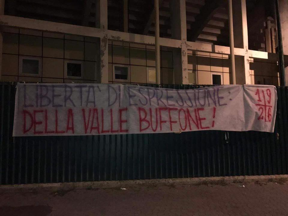 La proprietà di nuovo nel mirino: 'Libertà di espressione: Della Valle buffone!'