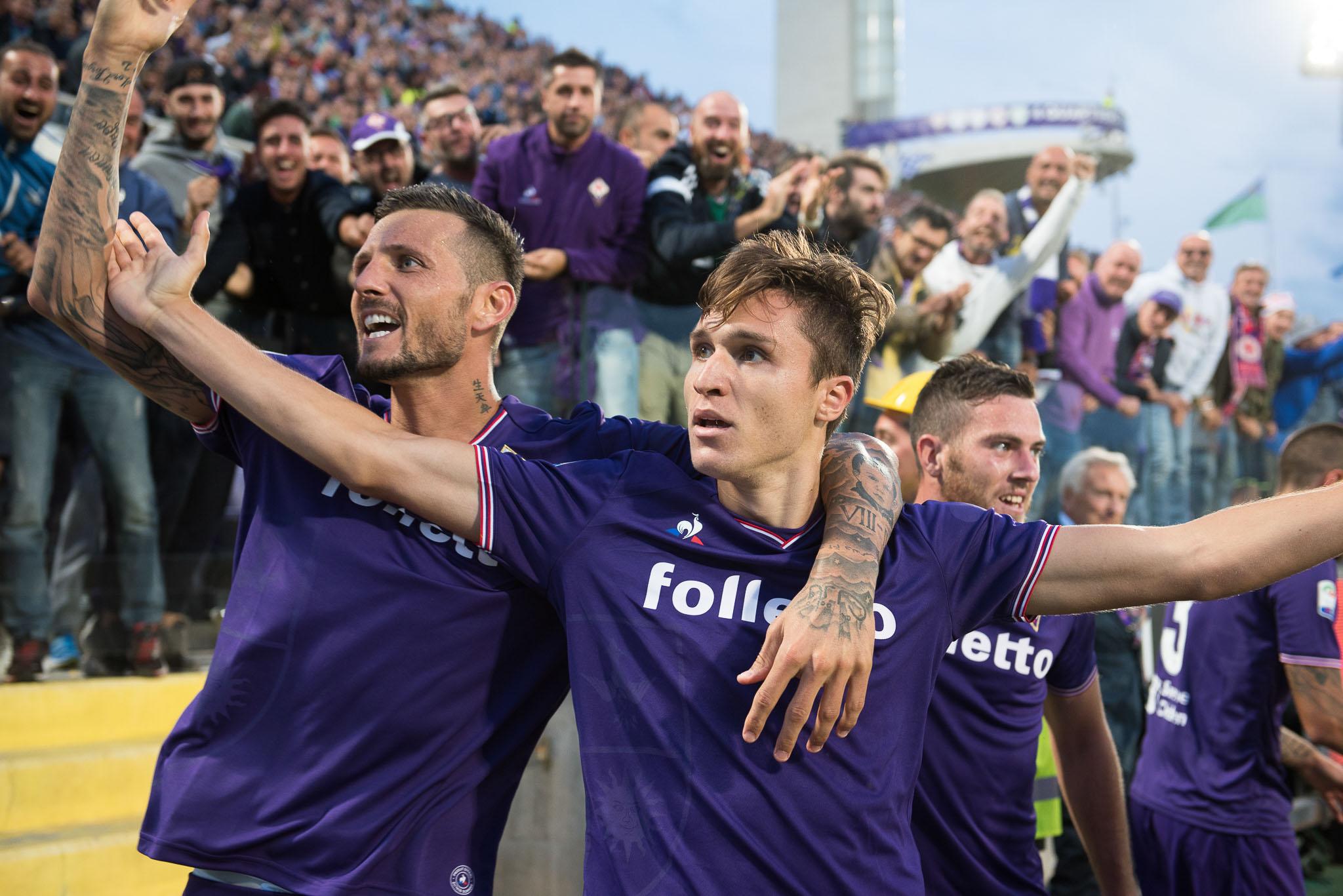 Federico Chiesa è sempre più innamorato della Fiorentina. Adesso tocca al nuovo contratto, il confronto con Babacar non regge…