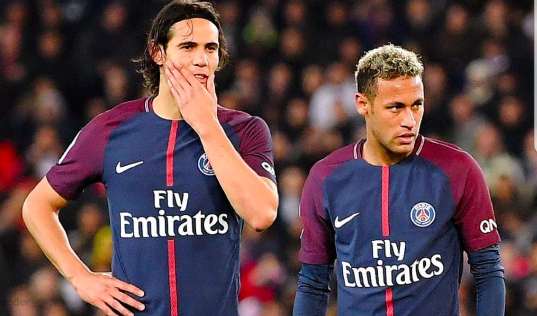 Rissa sfiorata tra Neymar e Cavani per colpa dei calci piazzati nello spogliatoio del Psg