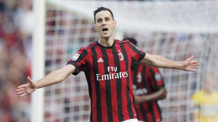 FOTO: Milan clamorosa gaffe con la maglia dell'ex viola Kalinic