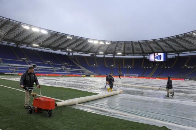 Piove a Roma, rinviata di un ora Lazio – Milan. Lo ha deciso il prefetto dopo aver valutato bene la situazione