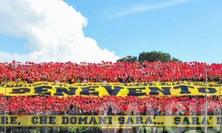 """""""Siamo la barzelletta d'Europa"""": tutta la rabbia dei tifosi del Benevento dopo il ko con la viola"""
