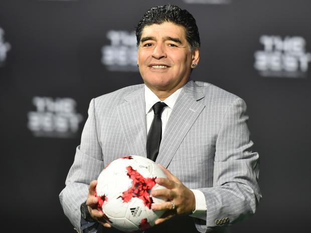 """Maradona: """"Batistuta persona fantastica, è stato il miglior 9 di sempre. In italia spaccava le difese…"""""""