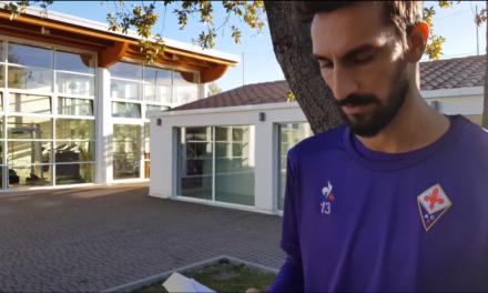 VIDEO, Astori legge Anna Frank. Un messaggio chiaro della Fiorentina e del suo capitano al centro sportivo