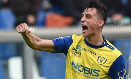 Un super Inglese trascina il Chievo nel derby contro il Verona. Maran mette Tomovic in panchina