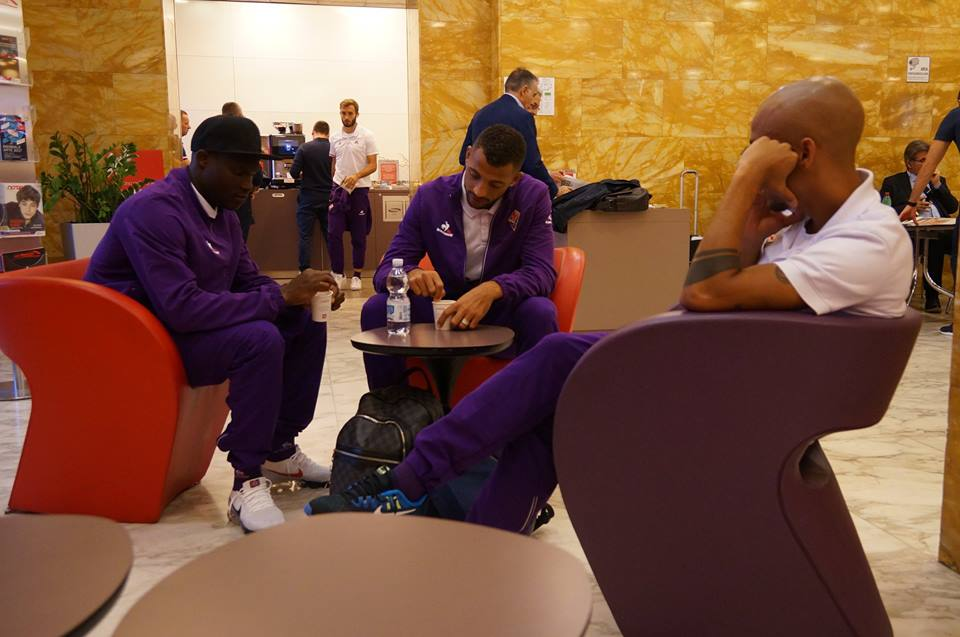 Fiorentina partita in treno per Benevento, anche Cognigni e Salica con la squadra per la trasferta