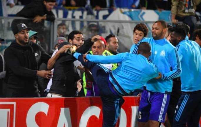 Il Marsiglia licenzia Evrà con effetto immediato, troppo grave il gesto nei confronti del tifoso