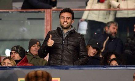 """La Curva Fiesole omaggia Pepito Rossi: """"Bentornato Pepito"""" applausi e cori per lui"""