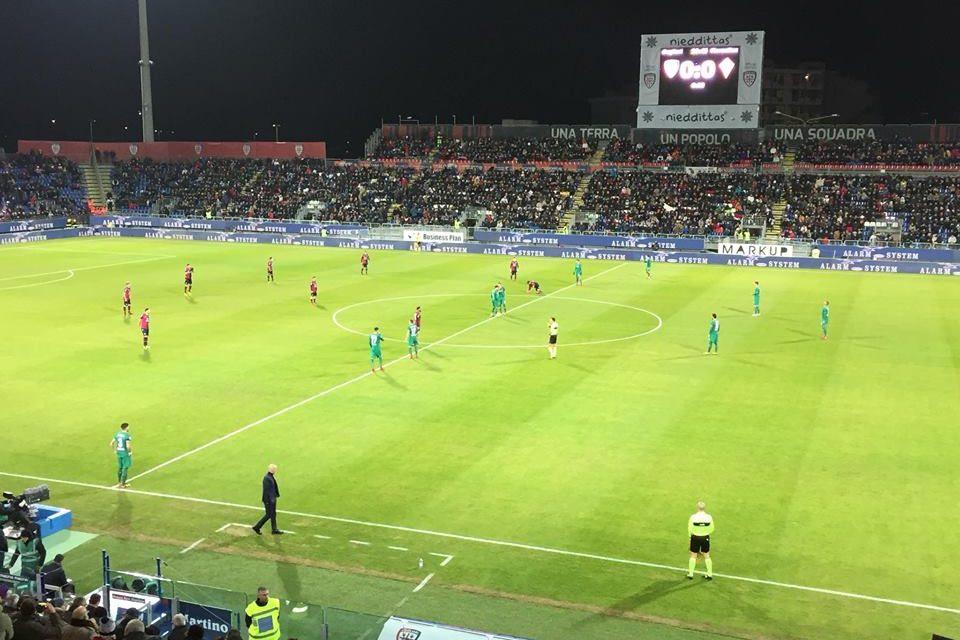 Cagliari-Fiorentina 0-1, la viola domina in Sardegna e vince con l'ennesimo Baba-goal