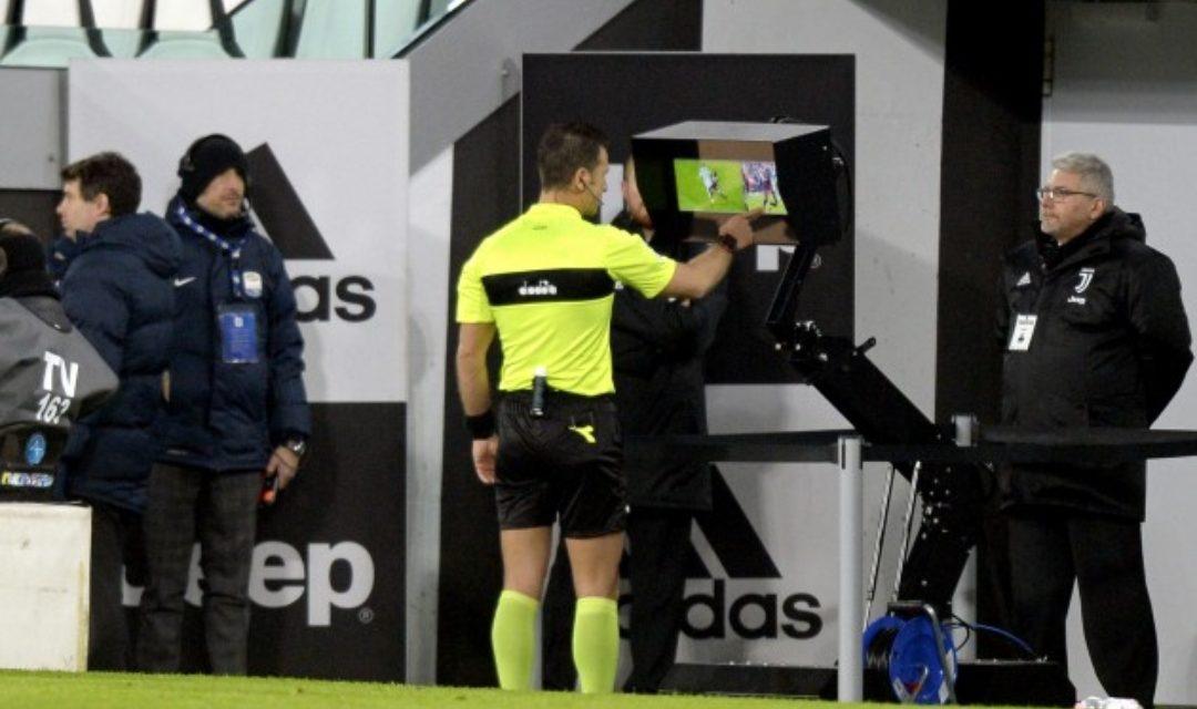 Fermato Doveri per gli sbagli commessi in Juventus-Torino, bloccato per due turni. Ha sbagliato nonostante il Var